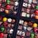 Des dragées colorées pour décorer sa table de réception