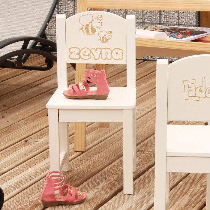 chaise d 39 enfant personnalis e en bois abeille. Black Bedroom Furniture Sets. Home Design Ideas